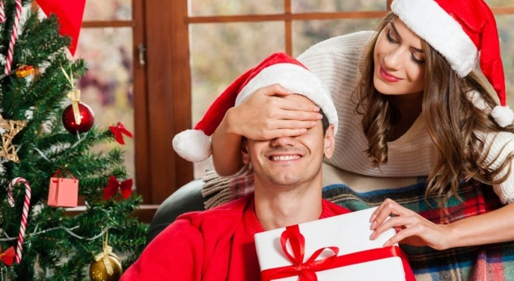 50 идей замечательных подарков на Новый год любимому