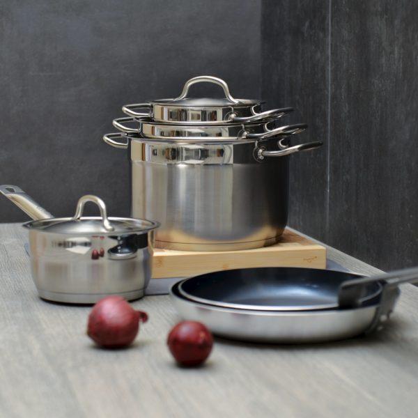 Набор современной посуды