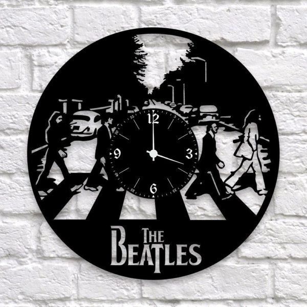 Часы из виниловой пластинки с любимой группой