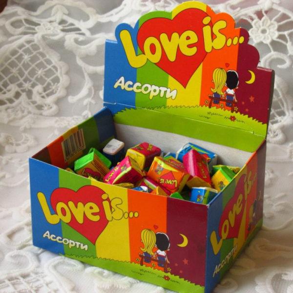 Блок жвачек Love Is…