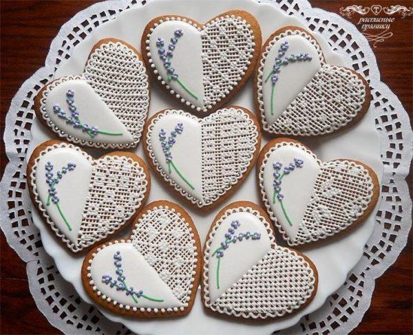 Печенье ручной работы в форме сердец