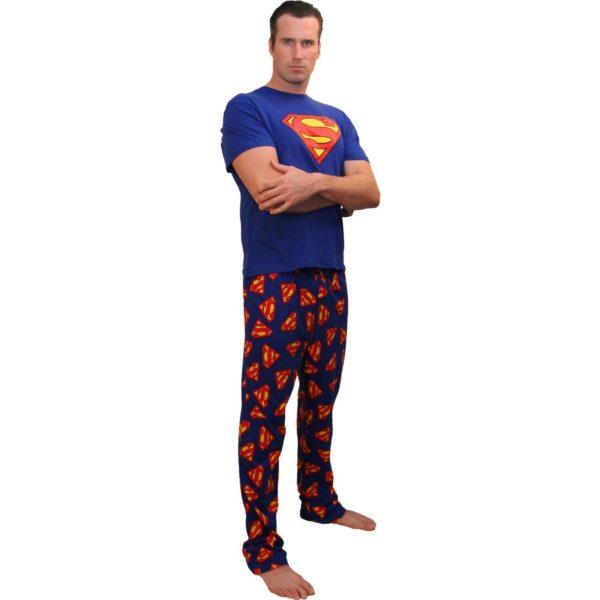 Пижама с изображением супергероев