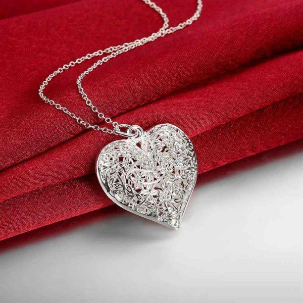 Цепочка с подвеской в форме сердца