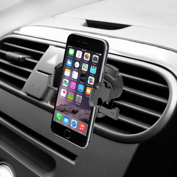 Держатель для смартфона в машине