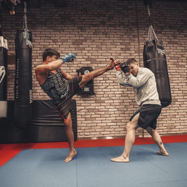 Пакет персональных тренировок (в тренажерном зале, бойцовском клубе)