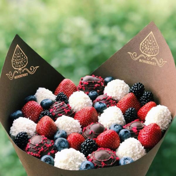 Букет из ягод в шоколаде